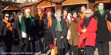 Une partie des choristes - Marché de Noël à Venelles - Décembre 2014